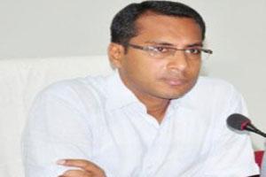 Collector mukesh bansal